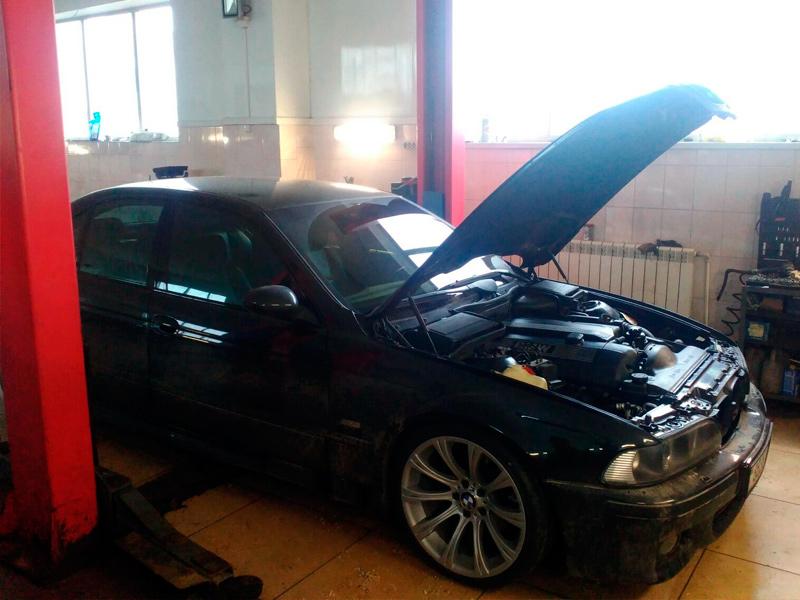 BMW 530 (E39)